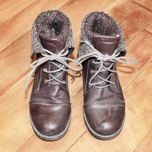 🎀3/$30 Brown Faux Leather Lined Lace Up Boots